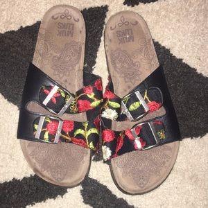 MUK LUKS red rose slide sandal